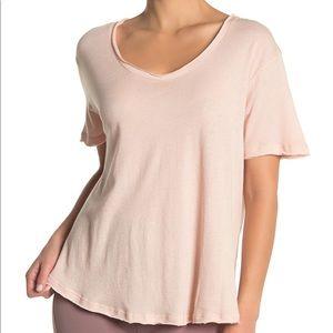Alo Yoga • Playa T-Shirt